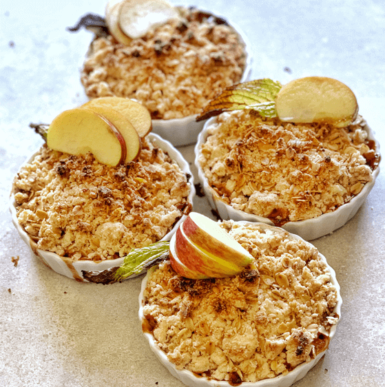 How to make vegan and gluten-free apple and oat crumble | The Vgn Way