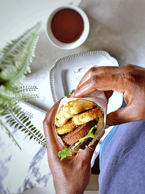 Vegan Gluten-Free EGAN GLUTEN-FREE BREAKFAST SANDWICH