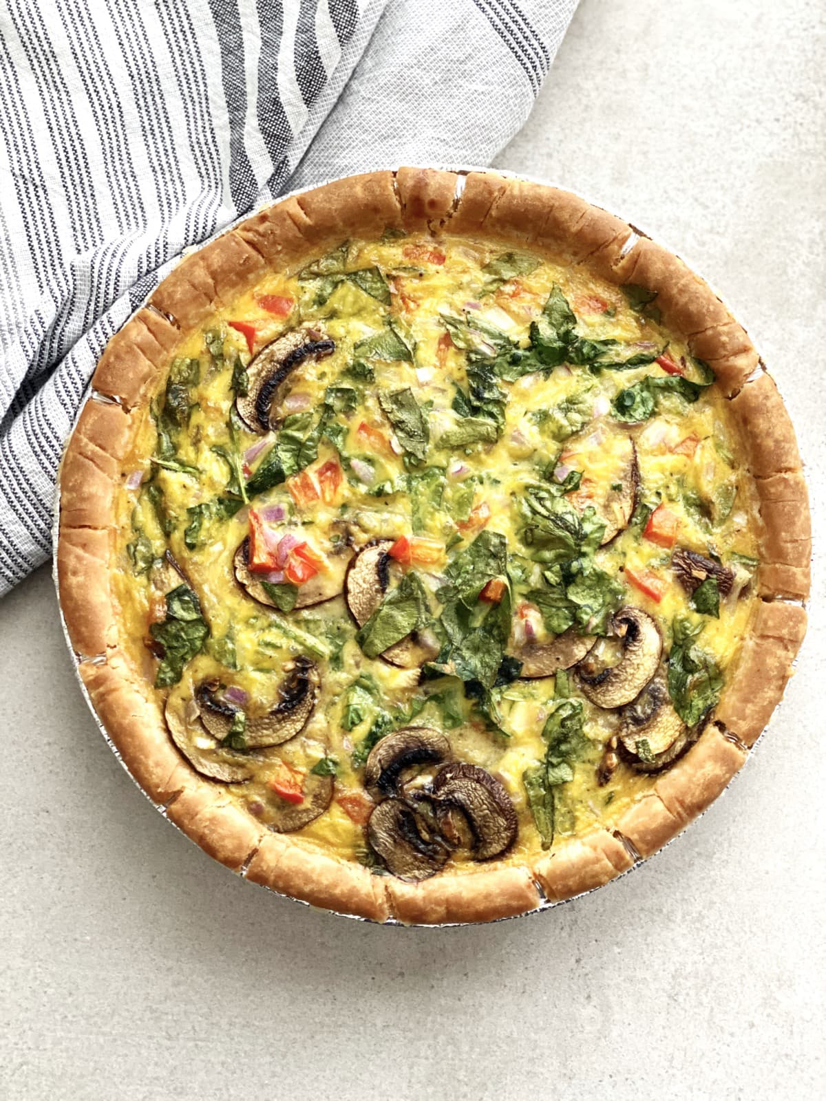 An entire plant-based quiche
